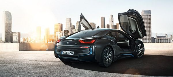 Price of the BMW i8 2018 in the UAE