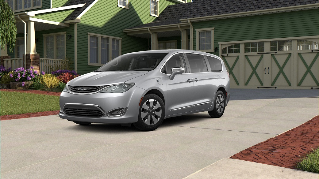 Exterior Design of the 2019 Chrysler Pacifica Hybrid S Appearance