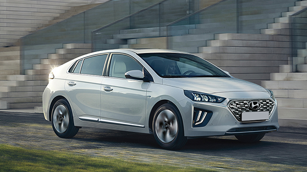 What are Hybrid Cars